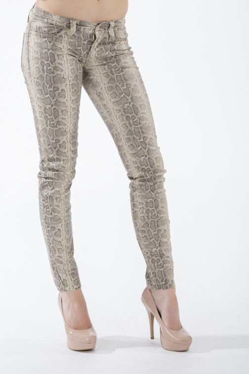 Snakeprint broek van Sylvia's Secret by SOS jeans.