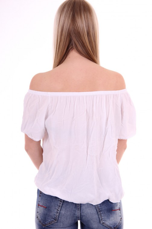 Off-shoulder top in wit