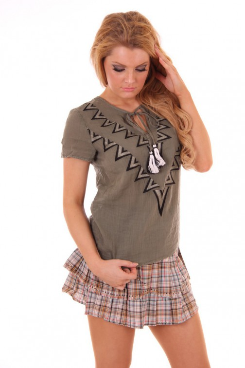 Aztek top in Army green ByDanie