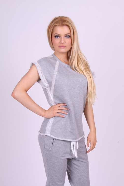 Nikkie by Nikkie, Florence sweater in grey.